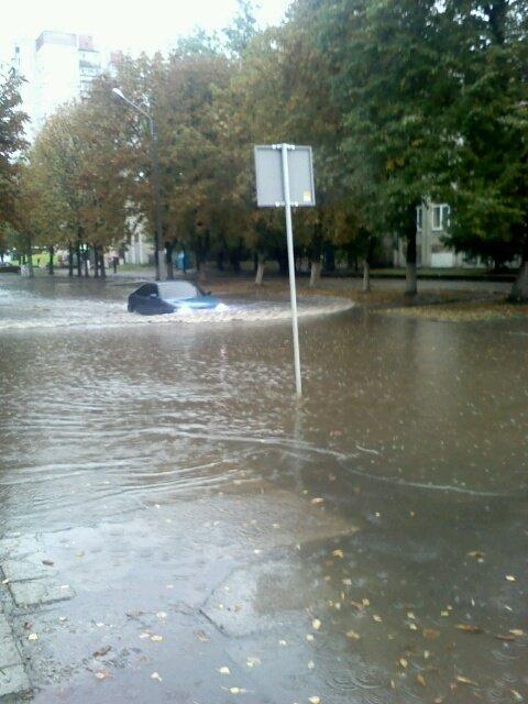 У міськраді назвали вулиці, які найбільше постраждали внаслідок сильної зливи у Львові (фото) - фото 1