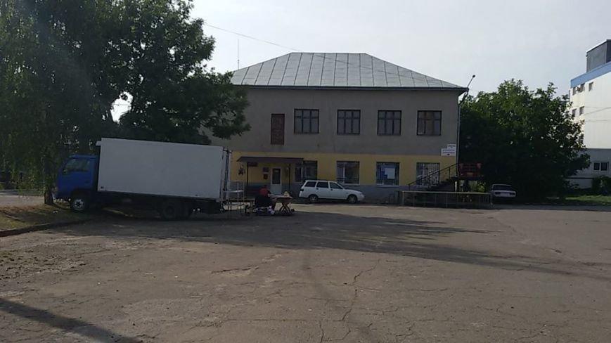 Чернівецький депутат В. Бешлей іронізує: «На цілодобовому ярмарку, як медом намазано», фото-1