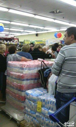 Ничто не радует жителей Димитрова и Красноармейска больше, чем слово: «СКИДКИ» (фото) - фото 4