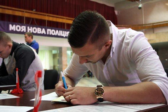Новая полиция в Кременчуге: прием заявок стартовал (ФОТО) (фото) - фото 4