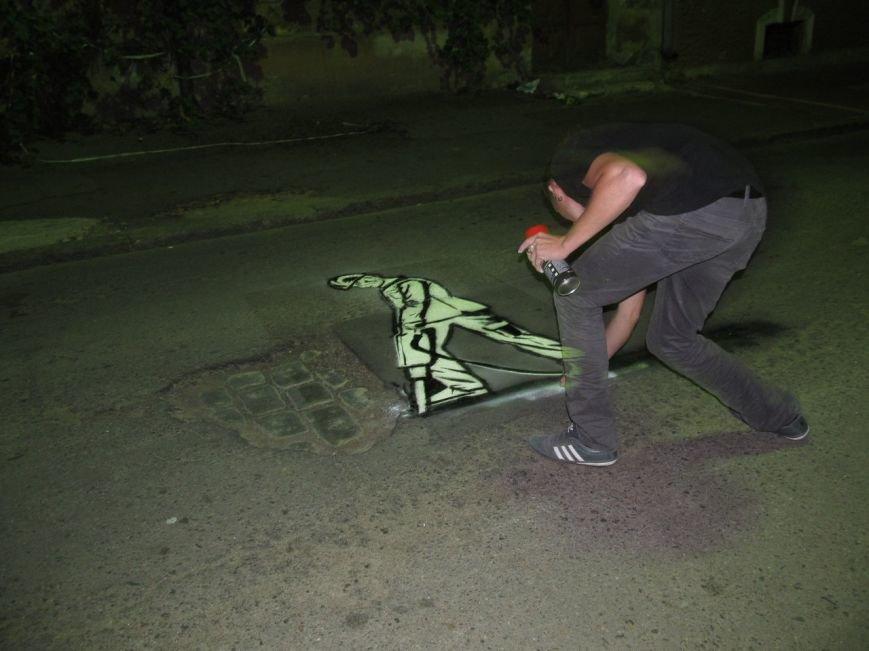 Сохранить колорит: в Одессе провели арт-акцию в защиту старинной брусчатки (ФОТО) (фото) - фото 1