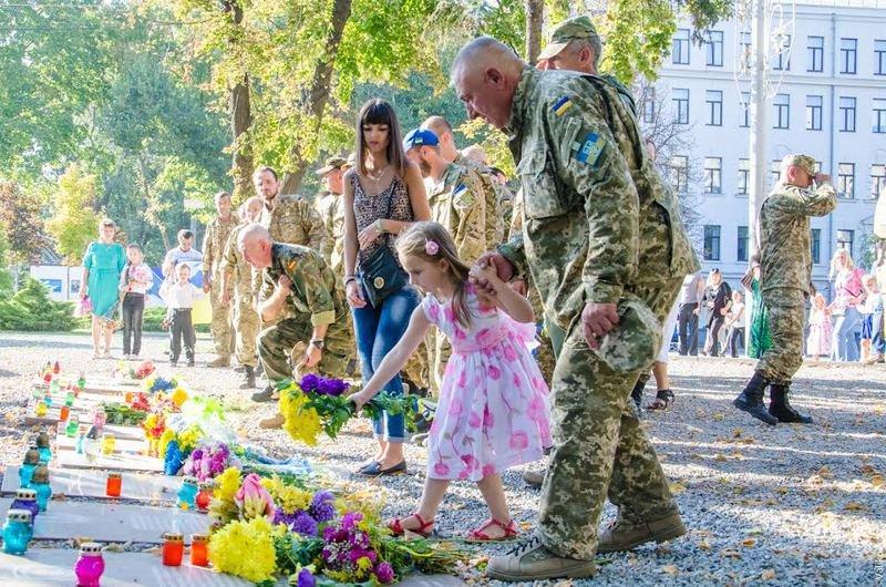 Домой вернулись бойцы знаменитого 43-го батальона (ФОТОРЕПОРТАЖ) (фото) - фото 5