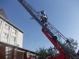 Надвірнянські рятувальники провели акцію «Запобігти.Врятувати.Допомогти.» (фото) - фото 1