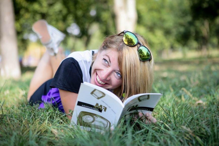 Запорожцы со своими любимыми книгами - ФОТОПРОЕКТ 061 и Запорожской книжной толоки (фото) - фото 7