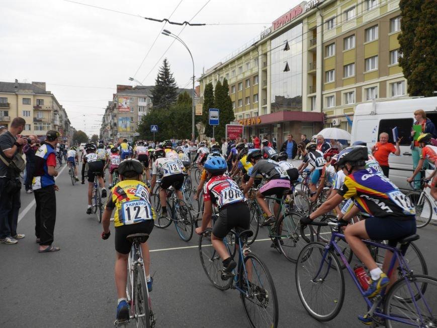 У Тернополі понад 200 спортсменів брали участь у велосипедних перегонах пам'яті В. Філіпенка (ФОТОРЕПОРТАЖ) (фото) - фото 1