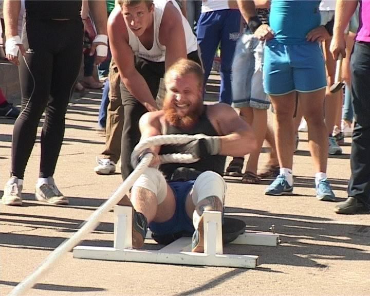 В Армавире состоялись соревнования по силовому экстриму (фото) - фото 1