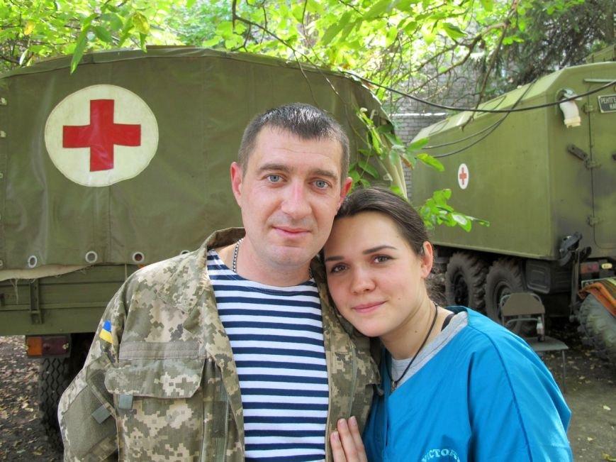 Любовь на войне: ради супруги Андрей Паламарчук отправился санитаром на фронт (ФОТО), фото-1
