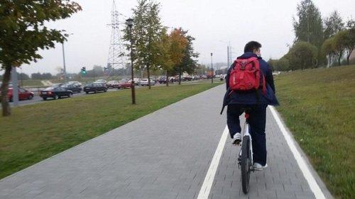 Фотофакт: в день без автомобиля начальник ГАИ Гродно пересел на велосипед (фото) - фото 1