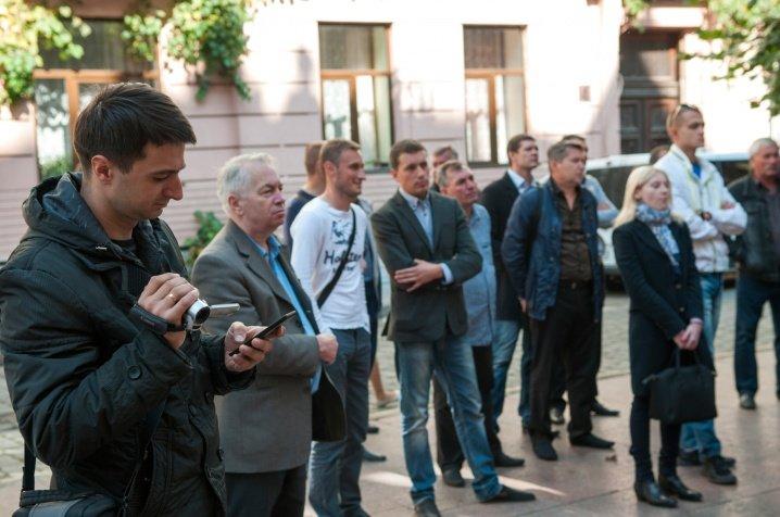 Чернівчани вимагали переглянути тарифи під стінами ОДА, фото-2