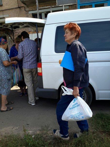 Запорожские волонтеры доставили в Авдеевку продукты питания и в конце недели планируют приехать снова (ФОТО) (фото) - фото 1