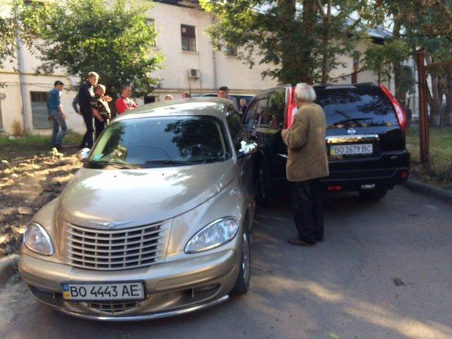 Через ДТП у центрі Тернополя заблокувало рух пішоходів та інших автівок (фото) (фото) - фото 1
