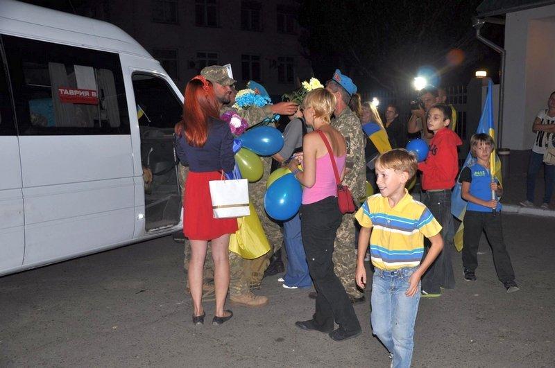 Николаев встретил легендарную 79-ку, целый год находившуюся в АТО (ФОТО) (фото) - фото 5
