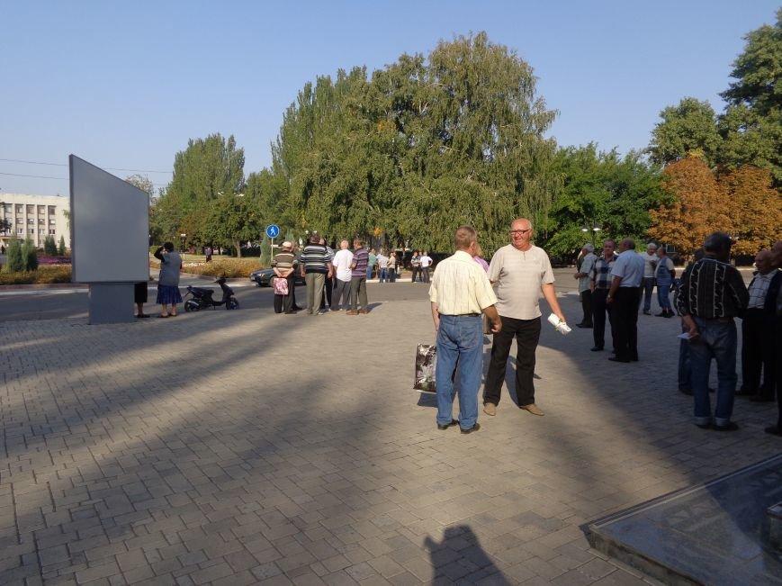 Шахта «Красноармейская-Западная №1» начала выдачу денежных средств шахтерам-пенсионерам (фото) - фото 1