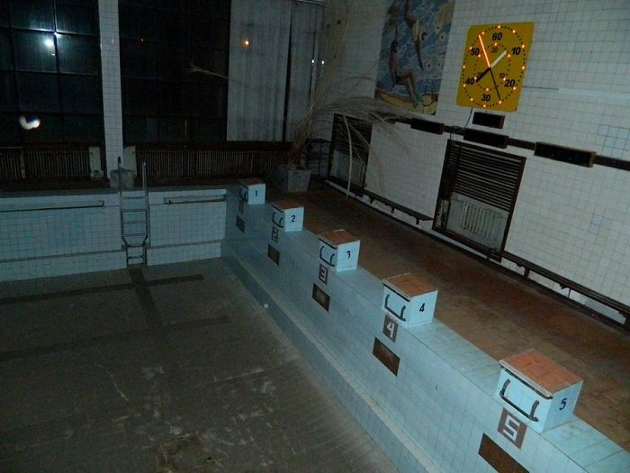 Фоторепортаж: бассейн «Лазурный» в ожидании реконструкции и инвестора (фото) - фото 10