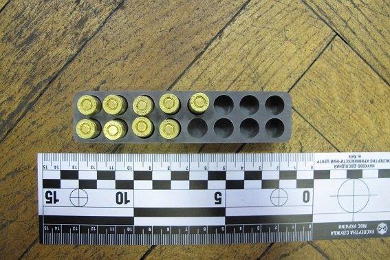 В квартире киевлянина милиция обнаружила арсенал оружия (ФОТО) (фото) - фото 2