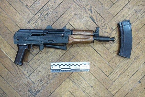 В квартире киевлянина милиция обнаружила арсенал оружия (ФОТО) (фото) - фото 3