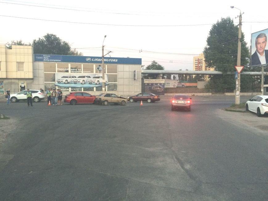 ДТП в Днепропетровске: столкнулись «Mitsubishi Lancer» и «Таврия» (ФОТО), фото-2