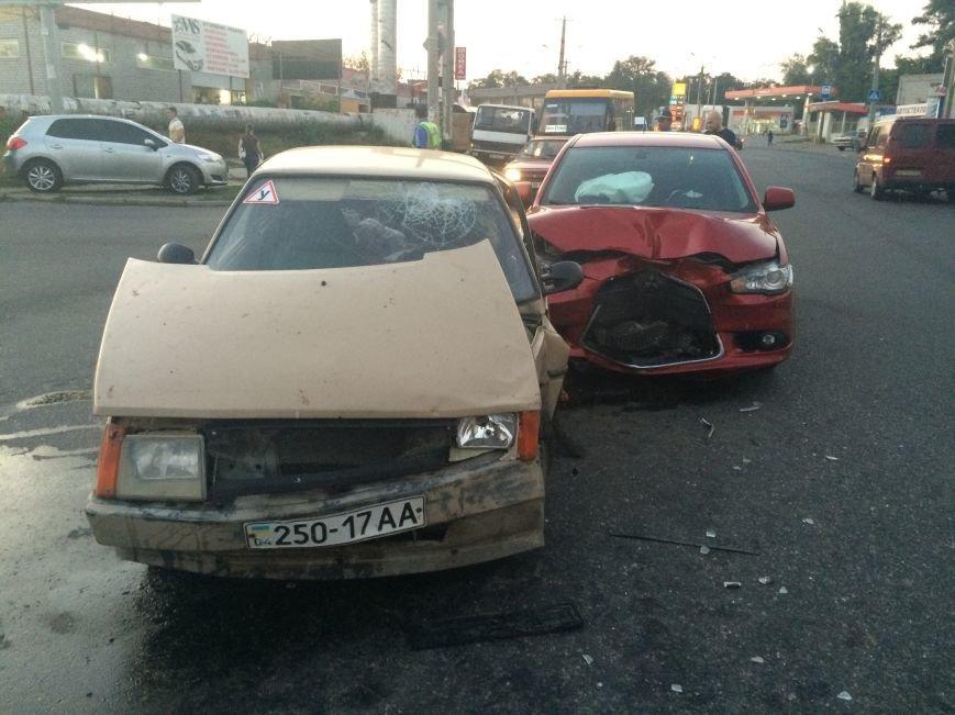 ДТП в Днепропетровске: столкнулись «Mitsubishi Lancer» и «Таврия» (ФОТО), фото-1