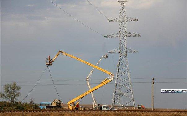 Пока Чубаров грозит Крыму энергетической блокадой, на полуострове уже натягивают провода энергомоста (ФОТОФАКТ) (фото) - фото 9