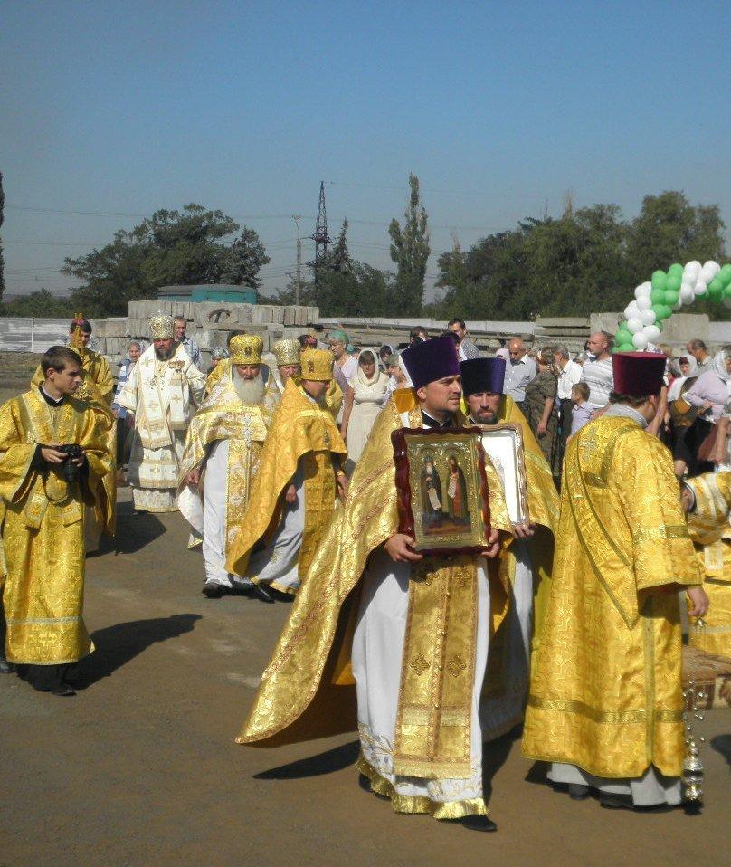 В микрорайоне ЮГОКа открыт новый храм (фото) - фото 1