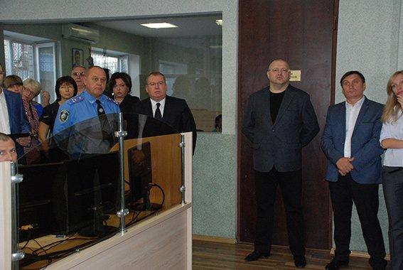 Экспериментальный патруль в Днепропетровске расширился на три района, фото-1