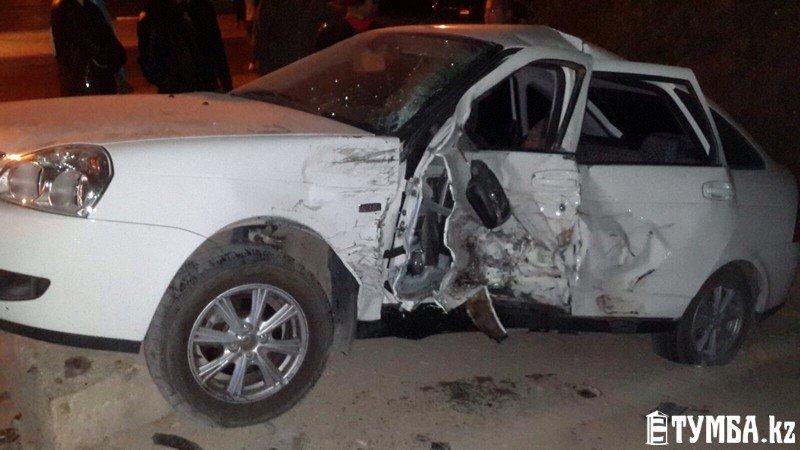 В результате аварии в Актау перевернулся автомобиль «скорой» помощи (фото) (фото) - фото 10