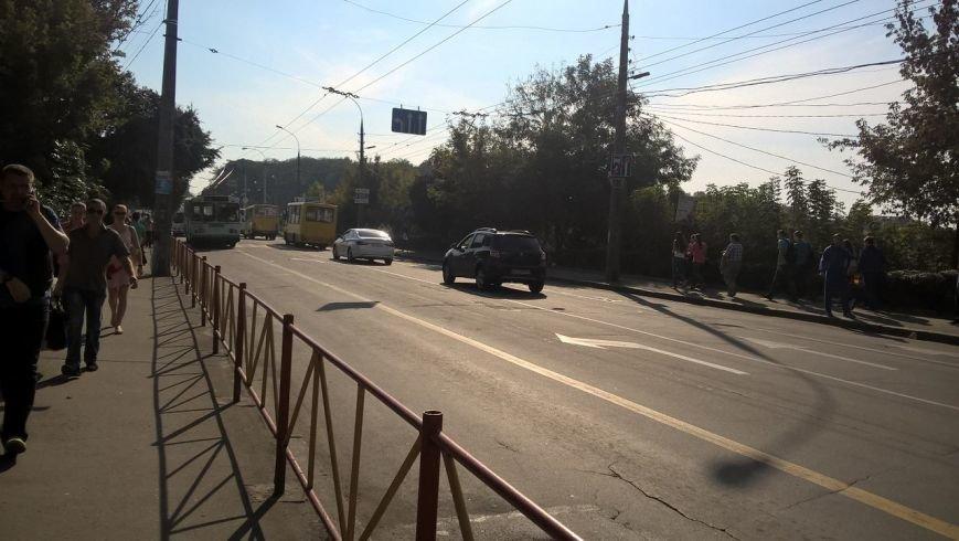 Рух транспорту по Кам'янецькій відновлено (фото) - фото 2