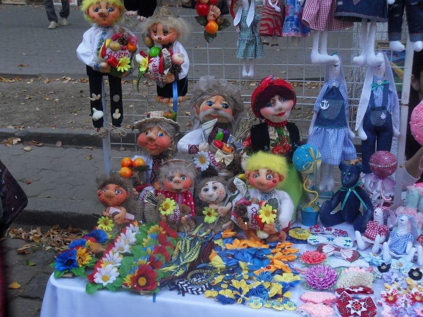 У центрі Полтави вирує ярмарок до Дня міста (фото) - фото 2