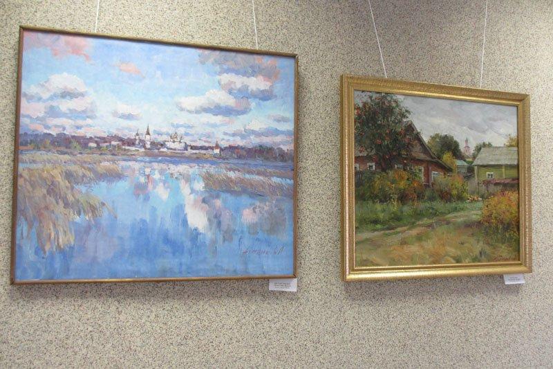 В административном здании города Пушкин работает выставка посвященная г. Валдаю (фото) - фото 2