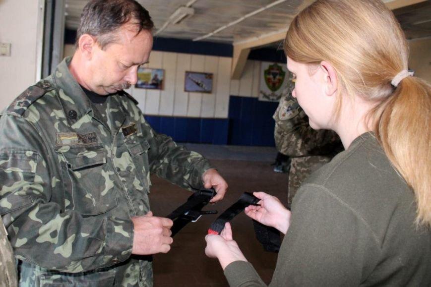 В Чернигове солдат учили тактической медицине (фото) - фото 1