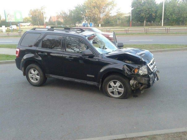 В Лиде пьяный водитель сбил парня и протащил его 10 метров на капоте (фото) - фото 2