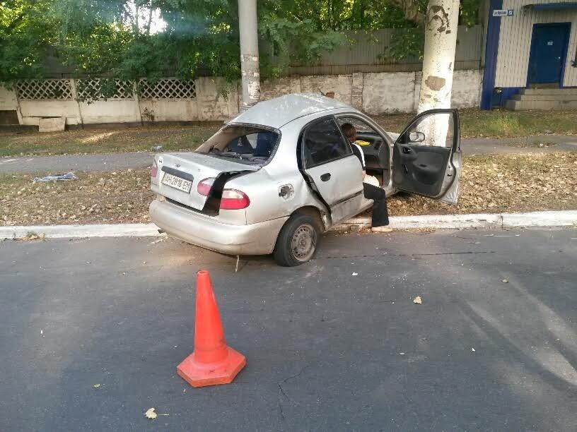 В Мариуполе водитель травмировался в ДТП (ФОТО) (фото) - фото 1