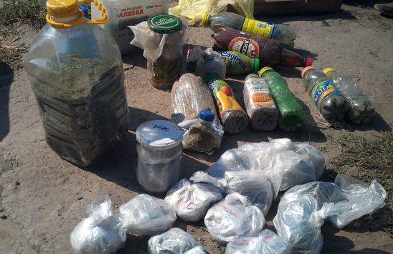 На Полтавщині службовий пес знайшов закопані наркотики (фото) - фото 1