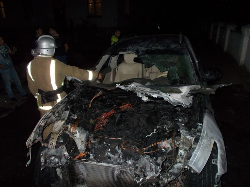 В Кировоградской области произошел пожар автомобиля «Infiniti FX37» (ФОТО) (фото) - фото 1