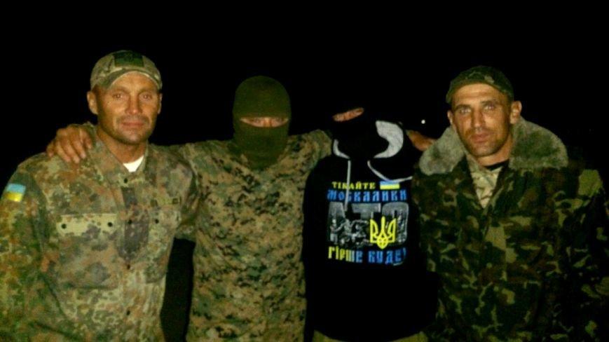 Криворожские активисты, участвующие в блокаде Крыма, проводят электричество к палаточному лагерю и готовятся к ротации (ФОТО), фото-11