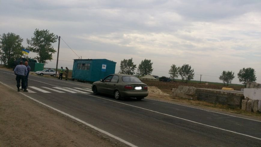 Криворожские активисты, участвующие в блокаде Крыма, проводят электричество к палаточному лагерю и готовятся к ротации (ФОТО), фото-4