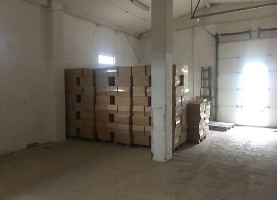 У Львові функціонував підпільний склад із фальсифікованим тютюном (фото) - фото 1