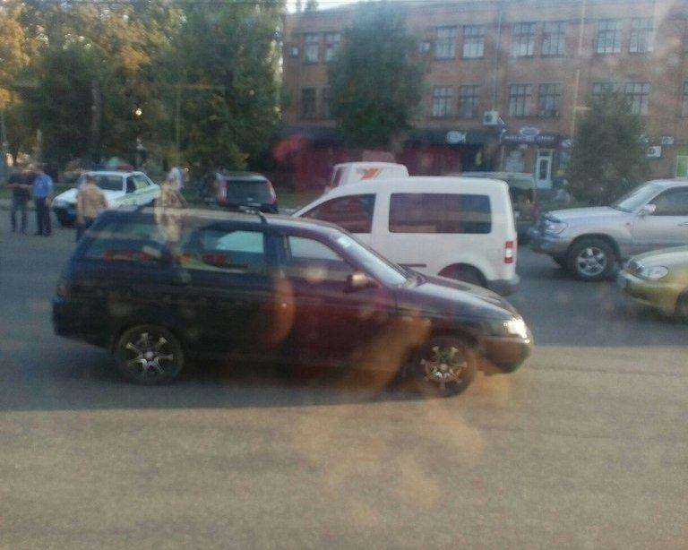 В Кировограде столкнулись две машины (ФОТО) (фото) - фото 1