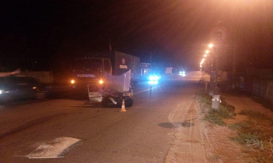 ДТП в Днепропетровске: столкнулись «ДАФ» и ЗАЗ-110307 (ФОТО), фото-1