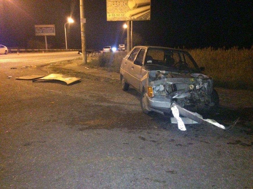 ДТП в Днепропетровске: столкнулись Volkswagen и ЗАЗ (ФОТО) (фото) - фото 5