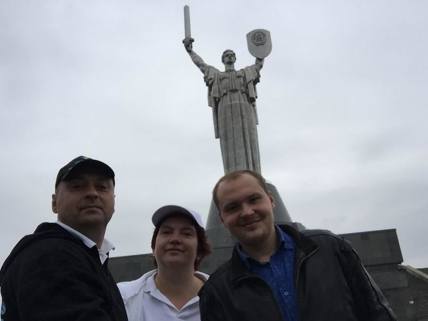 Супружеская пара из Днепропетровска добралась до Польши в своём кругосветном турне (фото) - фото 1
