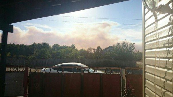 В Серафимовичском районе горит сухая трава, огонь приближается к населенным пунктам (фото) - фото 2