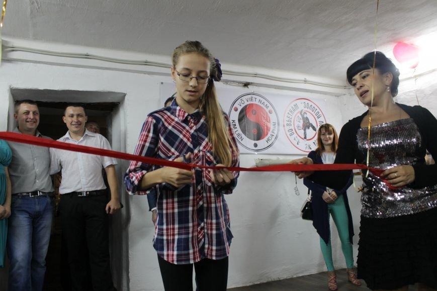 В Доброполье впервые за 25 лет отремонтировали спортивный зал (ФОТО), фото-5