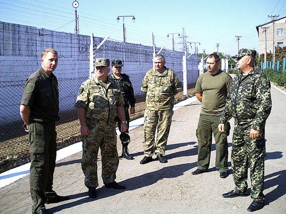 Начальник областной милиции посетил женскую колонию в Мариуполе (ФОТО) (фото) - фото 1
