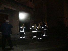 Через пожежу у підвалі, мешканці багатоповерхівки по вул. Пасічна залишилися без води (ФОТО) (фото) - фото 1