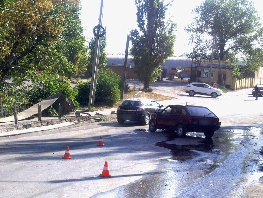 В Новошахтинске произошло ДТП (фото) - фото 1