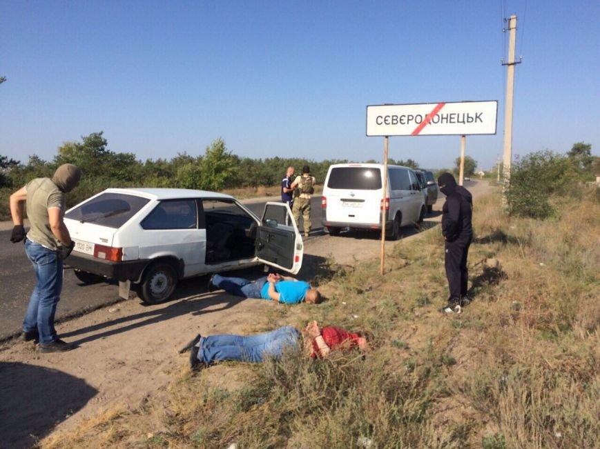 На Луганщине два чиновника-милиционера «погорели» на взятке (фото) (фото) - фото 2