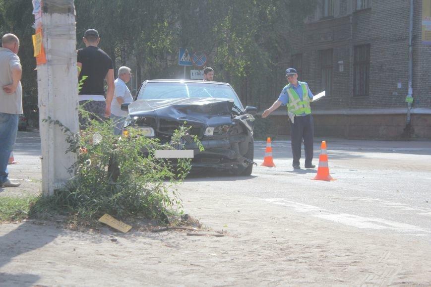 ДТП в Днепродзержинске: на перекрестке столкнулись иномарки, фото-3