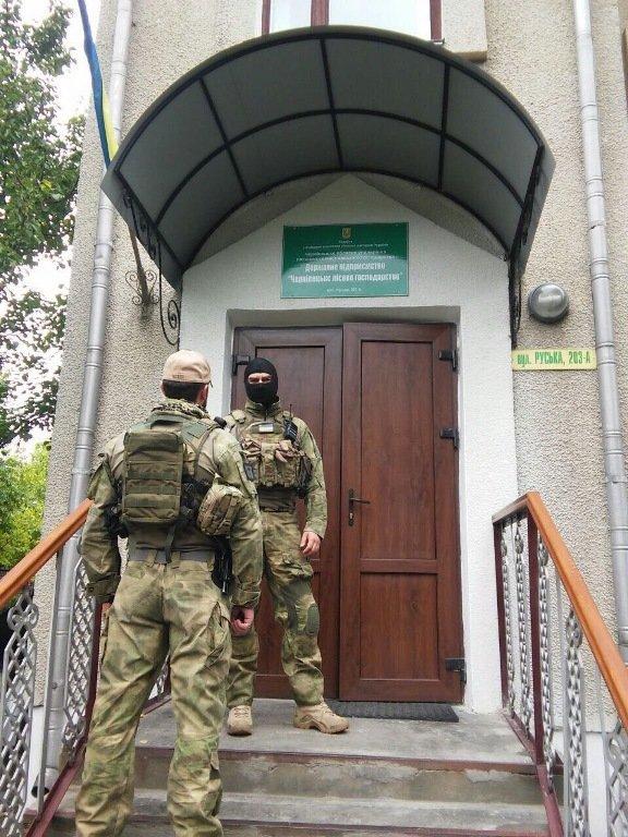 Cпівробітники СБУ затримали на хабарі заступника директора ДП «Чернівецьке лісове господарство» (фото) - фото 1