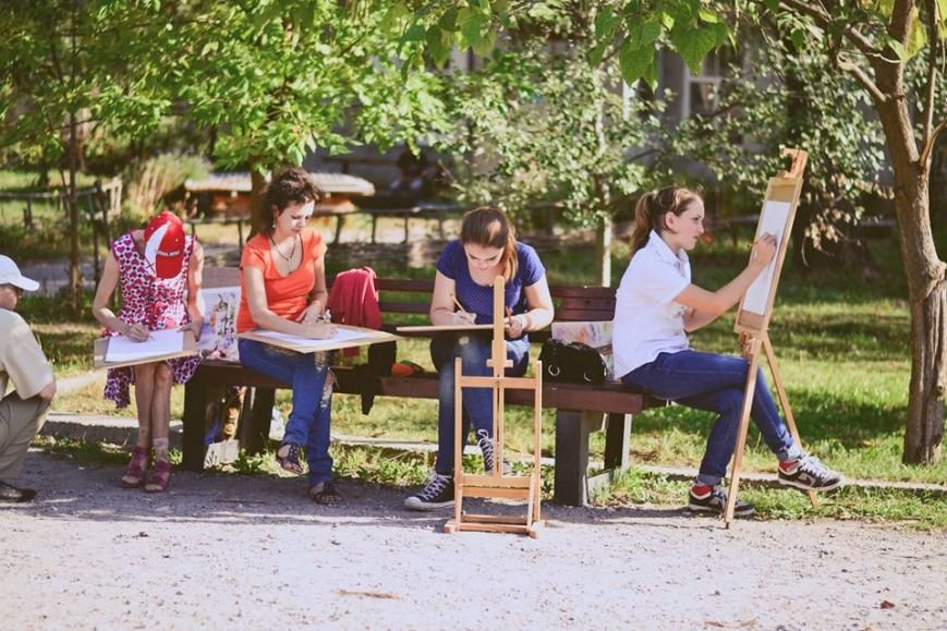 В Славянском парке культуры и отдыха прошел пленэр «Улюблений куточок мого міста» (фото) (фото) - фото 1